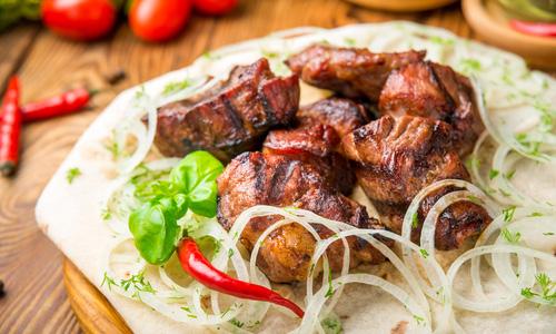 Шашлык из свинины в луковом маринаде